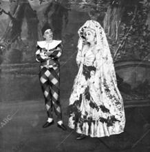 """María Guerrero y Díaz de Mendoza, en una escena de """"La marquesa Rosalinda,"""" de Ramón del Valle-Inclán"""